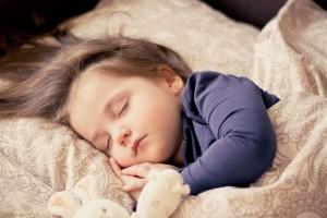 正常小孩能不能吃蚕豆专家建议8岁之前别吃