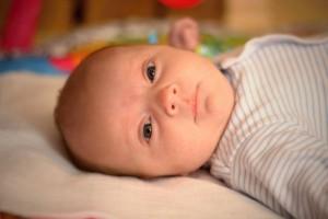 宝宝一睡觉就爱出汗是怎么回事宝宝一睡觉就出汗的原因有哪些